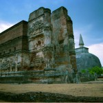 9. Lankatilaka Viharaya, Srí Lanka.